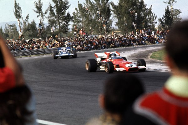 1970 Mexican Grand Prix.Mexico City, Mexico.23-25 October 1970.Jacky Ickx (Ferrari 312B) leads Jackie Stewart (Tyrrell 001 Ford). Ickx finished in 1st position.Ref-70 MEX 02.World Copyright - LAT Photographic