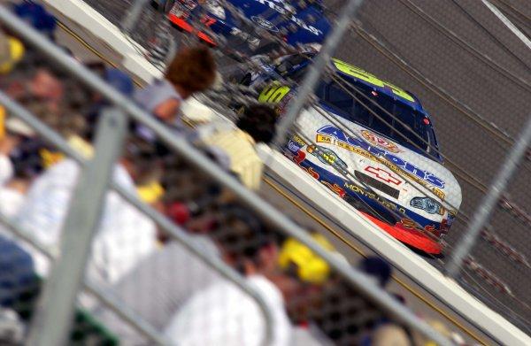 NASCAR Busch Series Mr Goodcents 300, Kansas Motor Speedway, Kansas City, Kansas, USA 28 Sept. 2002 Michael Waltrip leads.Copyright-F Peirce Williams 2002 LAT PHOTOGRAPHIC