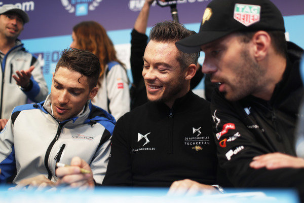 Edoardo Mortara (CHE) Venturi Formula E, Andre Lotterer (DEU), DS TECHEETAH and Jean-Eric Vergne (FRA), DS TECHEETAH at the autograph session