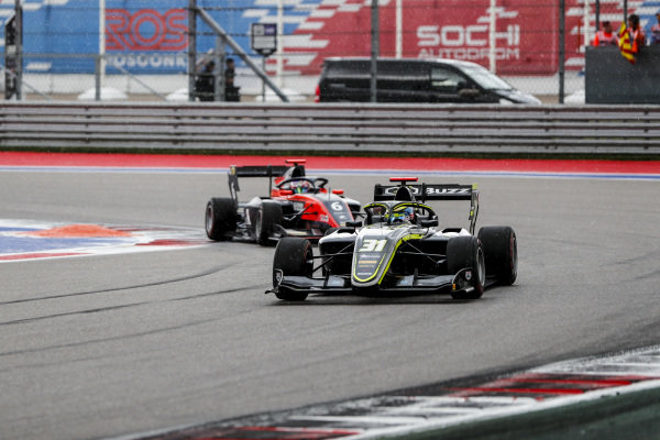 SOCHI AUTODROM, RUSSIAN FEDERATION - SEPTEMBER 28: Logan Sargeant (USA, Carlin Buzz Racing) and Richard Verschoor (NLD, MP Motorsport) during the Sochi at Sochi Autodrom on September 28, 2019 in Sochi Autodrom, Russian Federation. (Photo by Carl Bingham / LAT Images / FIA F3 Championship)