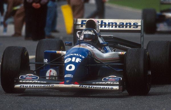 1994 Portuguese Grand Prix.Estoril, Portugal.23-25 September 1994.Damon Hill (Williams FW16B Renault) 1st position.Ref-94 POR 04.World Copyright - LAT Photographic