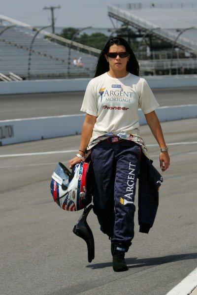 Danica Patrick (USA), Rahal Letterman Racing, makes her first start at the Suntrust Indy 300. IRL IndyCar Series, Rd7, Suntrust Indy 300, Richmond International Raceway, Richmond, Virginia, USA. 24-25 June 2005. DIGITAL IMAGE