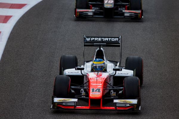 2017 FIA Formula 2 Round 11. Yas Marina Circuit, Abu Dhabi, United Arab Emirates. Sunday 26 November 2017. Sergio Sette Camara (BRA, MP Motorsport).  Photo: Zak Mauger/FIA Formula 2. ref: Digital Image _X0W9733