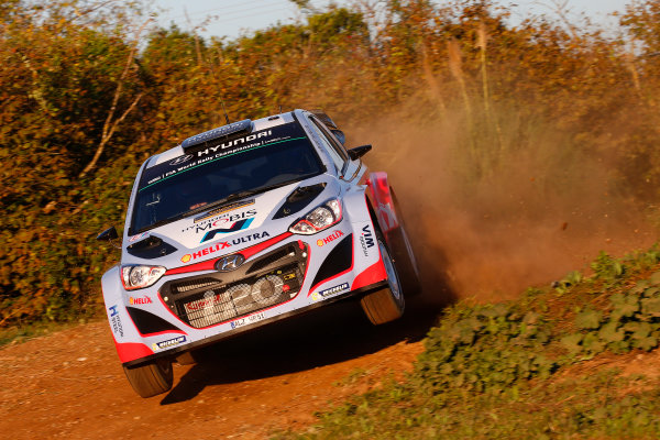 2015 World Rally Championship  Round 12, Rally of Spain, Catalunya 22nd - 25th October, 2015 Thierry Neuville, Hyundai, action  Worldwide Copyright: McKlein/LAT