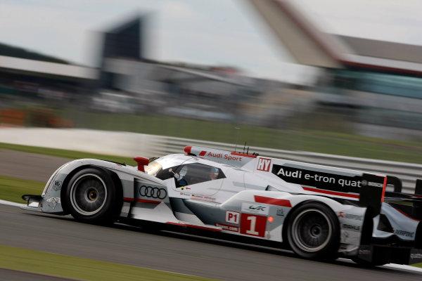 Silverstone, England. 24th - 26th August 2012. Rd 4.Andre Lotterer (DEU)/Benoit Treluyer (FRA)/Marcel Fassler (CHE) Audi Sport Team Joest Audi R18 e-tron quattro.World Copyright: Ebrey/LAT Photographic.