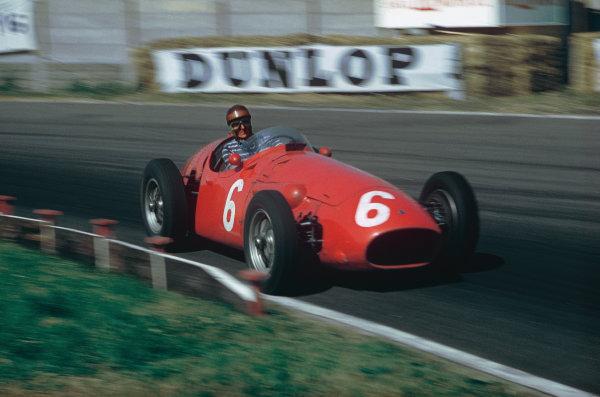 Aintree, England. 14-16 July 1955. Roberto Mieres, Maserati 250F. Ref: 55GB02. World Copyright - LAT Photographic