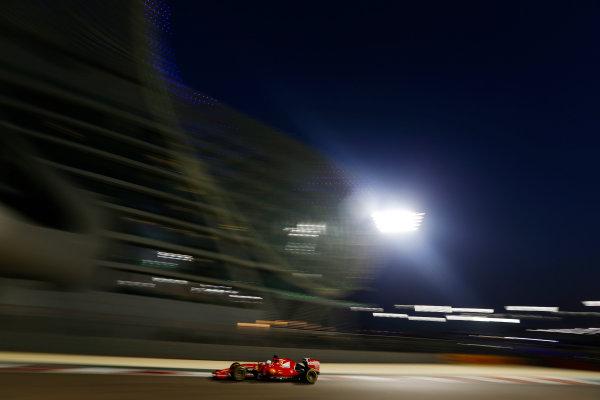 Yas Marina Circuit, Abu Dhabi, United Arab Emirates. Sunday 29 November 2015. Sebastian Vettel, Ferrari SF-15T. World Copyright: Charles Coates/LAT Photographic ref: Digital Image _99O2523