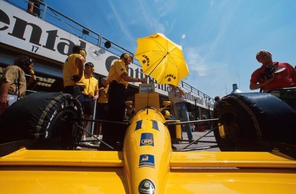 Derek Warwick(GBR), Lotus 102, 8th place German GP, Hockenheim, Germany, 29 July 1990