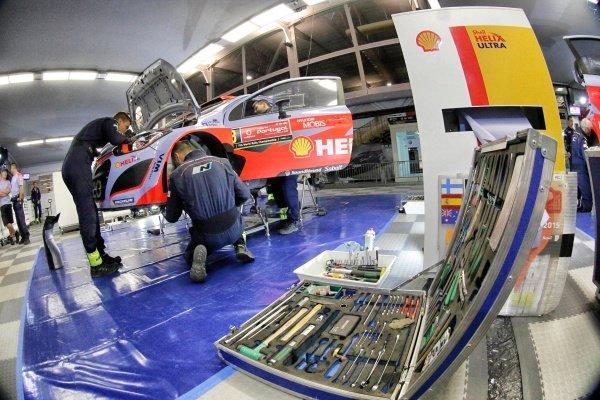Hyundai i20 WRC in Service at World Rally Championship, Rd5, Rally Portugal, Day Three, Matosinhos, Portugal, 24 May 2015.