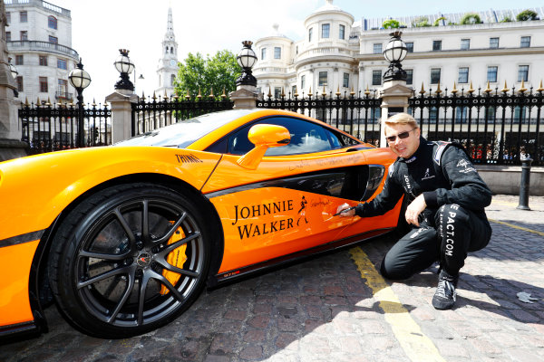 London, United Kingdom.  Wednesday 12 July 2017. Former 2 times World Champion Mika Hakkinen, signs a special McLaren MP4-12C. World Copyright: Steven Tee/LAT Images  ref: Digital Image _O3I8872