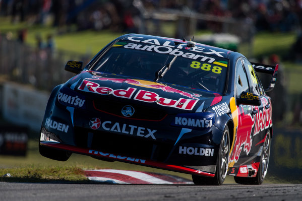 2015 V8 Supercars Round 3. Perth Super Sprint, Barbagallo Raceway, Western Australia, Australia. Friday 1st May - Sunday 3rd May 2015. Craig Lowndes drives the #888 Red Bull Racing Holden VF Commodore  World Copyright: Daniel Kalisz/LAT Photographic Ref: Digital Image V8SC15_PERTHR3_DKIMG1967.JPG