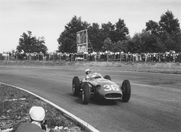 1956 Italian Grand Prix.Monza, Italy. 2 September 1956.Stirling Moss (Maserati 250F), 1st position. Ref-419/8.World Copyright LAT Photographic