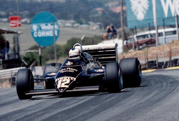 1983 South African Grand Prix.Kyalami, South Africa.13-15 October 1983.Nigel Mansell (Lotus 94T Renault).Ref-83 SA 27.World Copyright - LAT Photographic