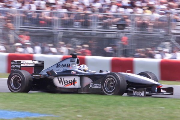 2000 Canadian Grand Prix.Montreal, Quebec, Canada.16-18 June 2000.David Coulthard (McLaren MP4/15 Mercedes) 7th position.World Copyright - LAT Photographic