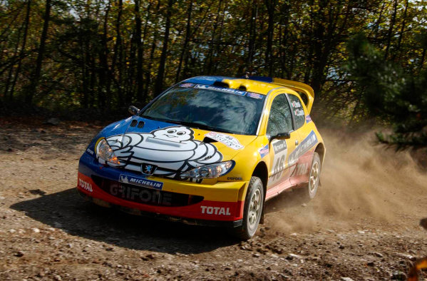 2002 World Rally Championship - TestingPornasso, Italy. 24th Octoner 2002.World motorbike champion Vaentino Rossi, tests the Peugeot 206 WRC, he is to drive in next months Rally of Great Britain.World Copyright: Photo4/LAT Photographicref: Digital Image Only