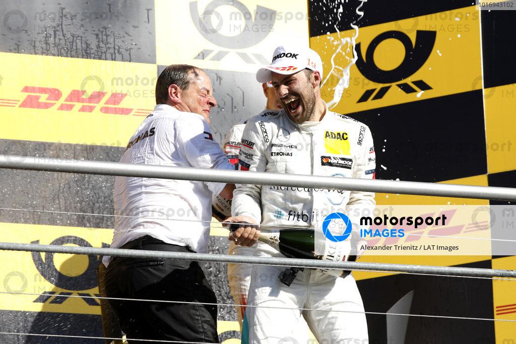 Champion Podium: Champion Gary Paffett, Mercedes-AMG Team HWA, Ullrich Fritz, Team principal Mercedes-AMG HWA.