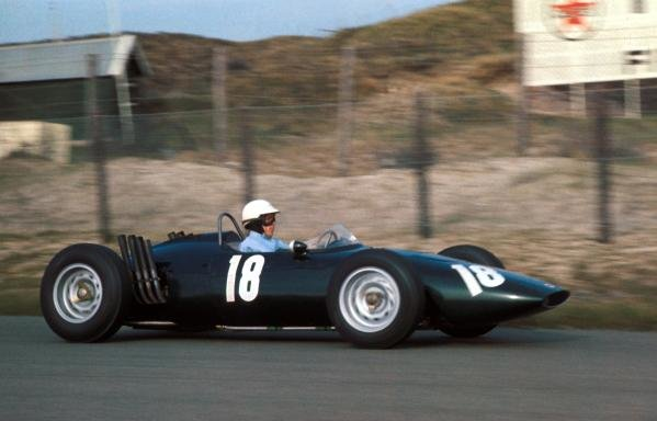 Richie Ginther (USA) BRM P48/57 suffered an accident late in the race and was not classified as a finisher.  Dutch Grand Prix, Zandvoort, 20 May 1962.
