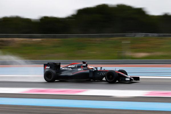 Paul Ricard, France. Monday 25 January 2016. Stoffel Vandoorne, McLaren MP4-30 Honda. World Copyright: Steven Tee/LAT Photographic ref: Digital Image _X0W7411