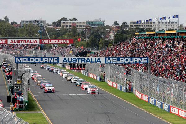 2005 Australian V8 SupercarsAlbert Park, Melbourne, Australia. 4th - 6th March.John Bowe starts race 3 from Pole Position. Action.World Copyright: Mark Horsburgh/LAT Photographicref: Digital Image Only