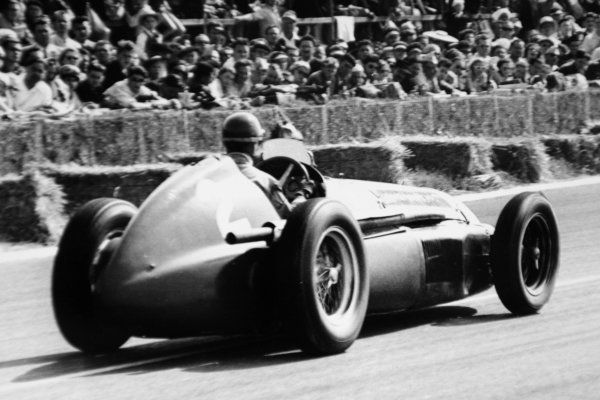 1951 French Grand Prix.Reims-Gueux, France. 1 July 1951.Giuseppe Farina (Alfa Romeo 159). Ref-51/34 #8A.World Copyright - LAT Photographic