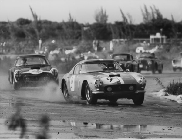 Oaks Course, Nassau, Bahamas. 10th December 1961.Stirling Moss (Ferrari 250 GT SWB), 1st position, action.World Copyright: LAT Photographic.Ref: Autocar Used Pic Pg 1082, 29th December.