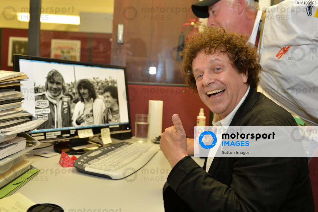 (L to R): Leo Sayer (GBR) singer, with a photo of himself, George Harrison (GBR) former Beatle and motorsport enthusiast, and James Hunt (GBR) McLaren, at the 1977 United States GP at Long Beach. Leo Sayer visits Sutton Images, Sutton Images, Towcester, England, 27 June 2013.