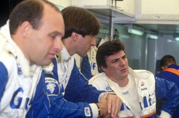 1995 Le Mans 24 Hours. Le Mans, France. 17th - 18th June 1995. Mark Blundell talks with team mates Maurizio Sala and Pierre-Henri Raphanel  (McLaren F1 GTR) portrait. World Copyright: LAT Photographic ref: 95LM06.