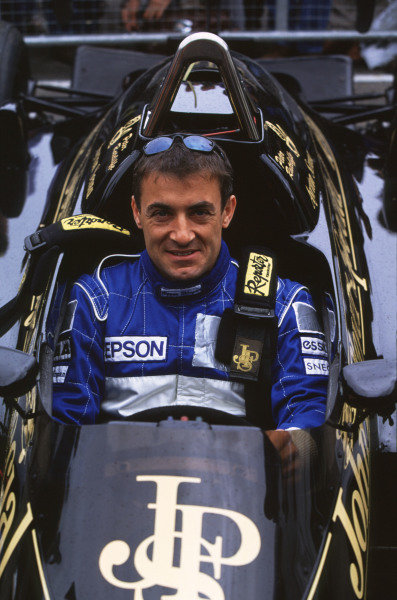 2000 Festival of Speed.Goodwood, England, Great Britain. 23-25 June 2000. Jean Alesi in a JPS Lotus-Renault. World - LAT Photographic
