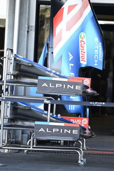 Alpine A521, nose cone