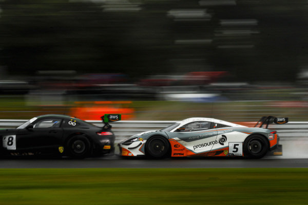#8 Richard Neary / Sam Neary - Team Abba Racing Mercedes-AMG GT3 Evo and #5 Stewart Proctor / Lewis Proctor - Balfe Motorsport McLaren 720S GT3 battle