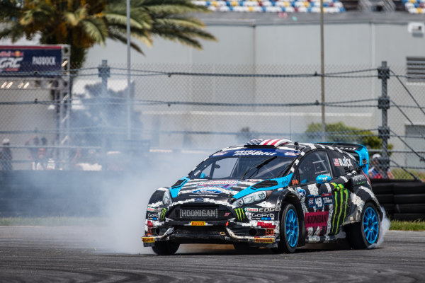 Last corner: #43 Hoonigan Racing Division Ford Fiesta ST: Ken Block does a spectacular drift to keep the lead
