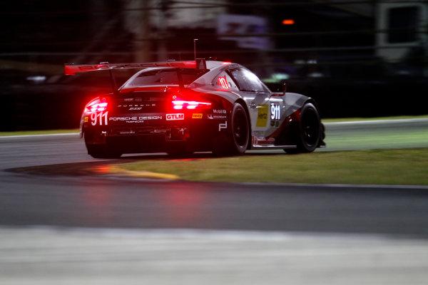 2017 Rolex 24 Hours. Daytona, Florida, USA Saturday 28 January 2017. #911 Porsche Team North America Porsche 911 RSR: Patrick Pilet, Dirk Werner, Fr?d?ric Makowiecki World Copyright: Alexander Trienitz/LAT Images ref: Digital Image 2017-24h-Daytona-AT2-2546