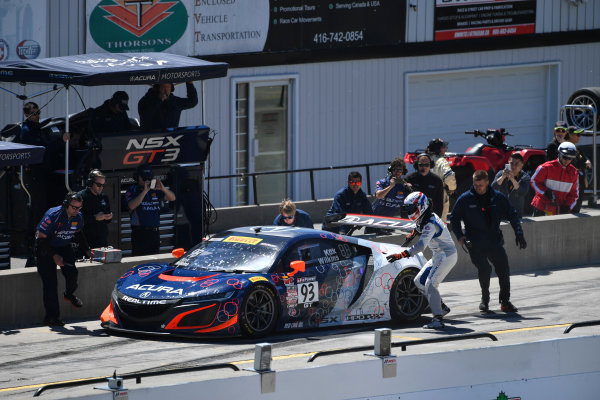 Pirelli World Challenge Victoria Day SpeedFest Weekend Canadian Tire Motorsport Park, Mosport, ON CAN Saturday 20 May 2017 Peter Kox/ Mark Wilkins pit stop World Copyright: Richard Dole/LAT Images ref: Digital Image RD_CTMP_PWC17092