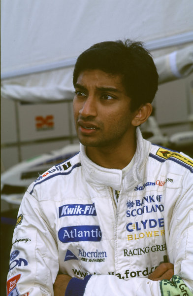 2000 British Formula Three Donington, England. 1st - 2nd July 2000. Rd 7&8. Narain Karthikeyan - portrait World - Peter Spinney/ LAT Photographic