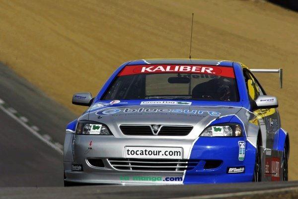 Aaron Slight (NZL) testing the Barwell Motorsport Vauxhall Astra Coupe.