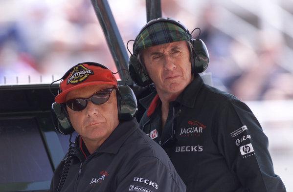 2001 Spanish Grand Prix - Qualifying.Barcelona, Spain. 28th April 2001.Jaguar Racing Team Principal Niki Lauda and Director Jackie Stewart.World Copyright - Steve Etherington/LAT Photographicref: 16 mb Digital Image