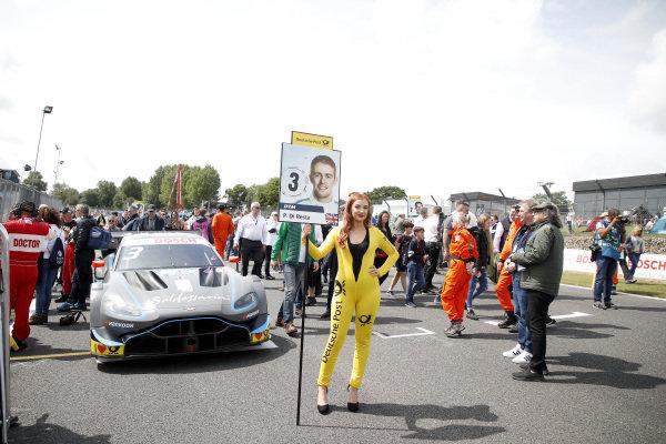 Grid girl of Paul Di Resta, R-Motorsport.
