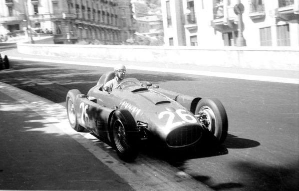 1955 Monaco Grand Prix.Monte Carlo, Monaco.19-22 May 1955.Alberto Ascari (Lancia D50) before he crashed into the harbour.Ref-289/26.World Copyright - LAT Photographic