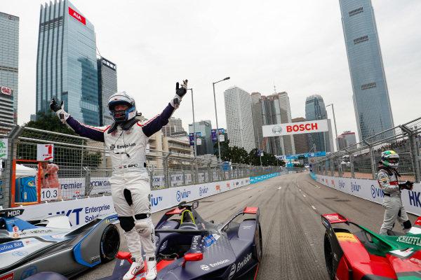 Sam Bird (GBR), Envision Virgin Racing celebrates victory in parc ferme