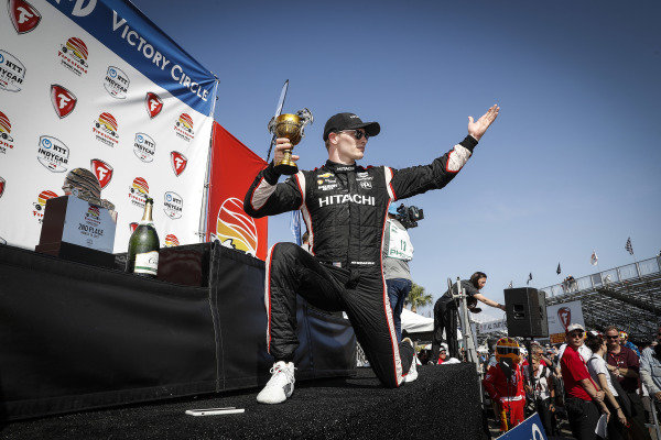 Josef Newgarden, Team Penske Chevrolet, crew, Chalice of Excellence
