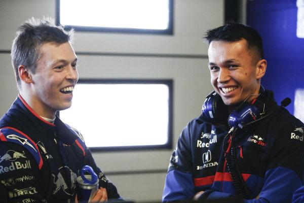 Daniil Kvyat, Toro Roso STR14 and Alexander Albon, Scuderia Toro Rosso STR14