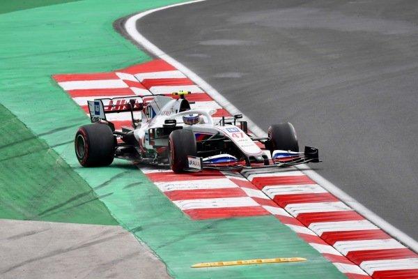 Mick Schumacher, Haas VF-21, slides