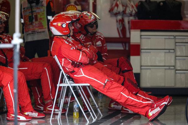 Ferrari mechanics at Formula One World Championship, Rd18, Mexican Grand Prix, Race, Circuit Hermanos Rodriguez, Mexico City, Mexico, Sunday 29 October 2017.