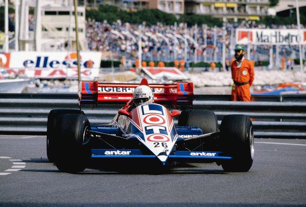 1984 Monaco Grand Prix.Monte Carlo, Monaco.31/5-3/6 1984.Andrea de Cesaris (Ligier JS23 Renault).Ref-84 MON 64.World Copyright - LAT Photographic