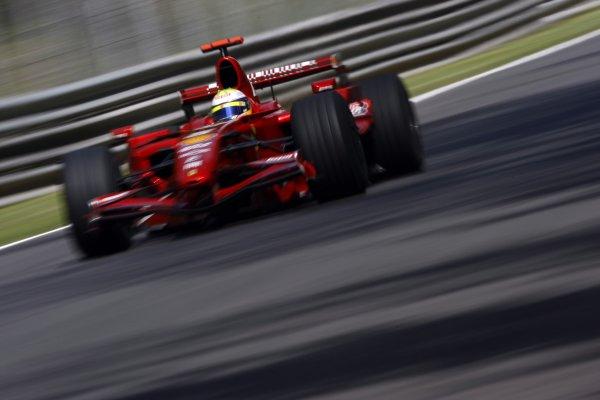 2007 Italian Grand Prix - Friday PracticeAutodromo di Monza, Monza, Italy.7th September 2007.Felipe Massa, Ferrari F2007. Action. World Copyright: Lorenzo Bellanca/LAT Photographicref: Digital Image _64I5118
