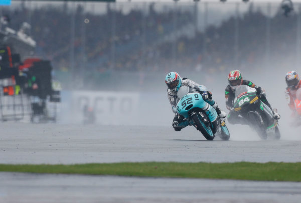 2015 Moto3 Championship.  British Grand Prix.  Silverstone, England. 28th - 30th August 2015.  Danny Kent, Honda, leads Jakub Kornfeil, KTM.  Ref: KW7_8477a. World copyright: Kevin Wood/LAT Photographic