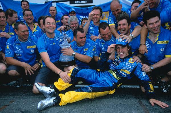2005 German Grand Prix. Hockenheim, Germany 22nd - 24th July 2005 Fernando Alonso, Renault R25 celebrates his win with his team. World Copyright: Lorenzo Bellanca/LAT Photographic Ref: 35mm Image A25