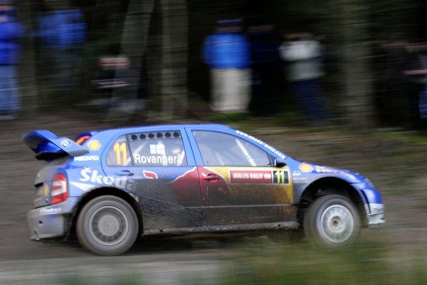 2006 World Rally Championship.Round 16. Wales Rally GB. 1st - 3rd December 2006.Harri Rovanpera/Risto Pietilainen, Fabia WRC. Action.World Copyright: Alastair Staley/LAT Photographic.ref: Digital Image _F6E7122