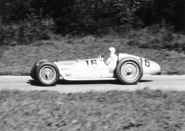 1938 Swiss Grand Prix.  Bremgarten, Berne, Switzerland. 21 August 1938.  Dick Seaman, Mercedes-Benz W154, 2nd position.  Ref: RF38_SWI_19. World Copyright: Robert Fellowes/LAT Photographic