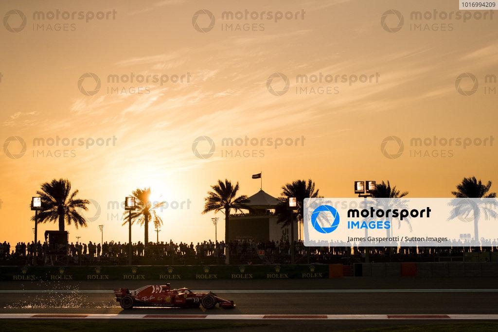 Sebastian Vettel, Ferrari SF71H sparks